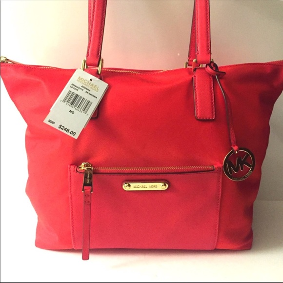 54db4747ad22 Authentic Michael Kors ARIANA large tote bag. NWT
